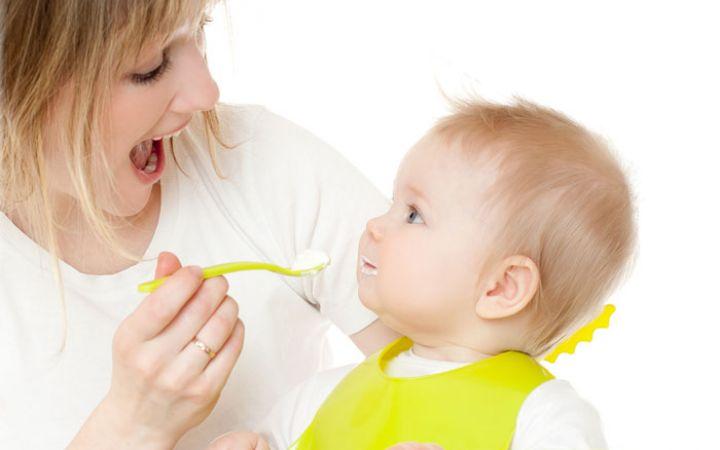 Режим питания ребенка в год