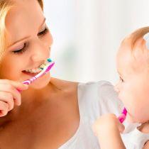 Когда начинать чистить ребенку зубы