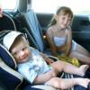 Укачивает ребенка в транспорте