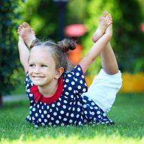 Упражнения для укрепления спины ребенка