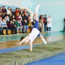 Занятия акробатикой для детей