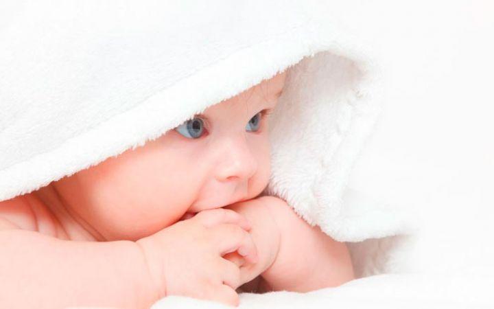 Какую косметику выбрать для новорожденного