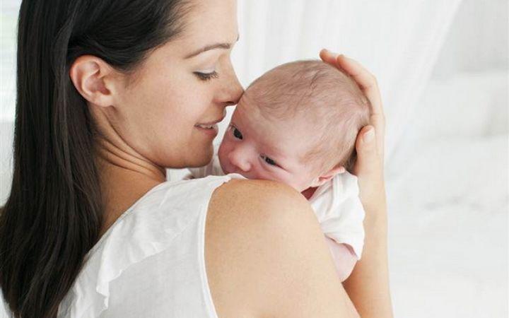 у новорожденного белый налет на языке, как лечить