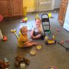 Как научить ребенка убирать за собой игрушки