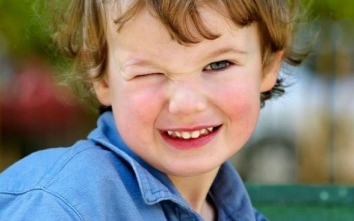 Ребенок часто моргает глазами