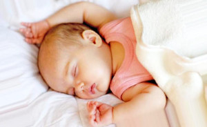 kak uklast rebenka spat samostoytelno